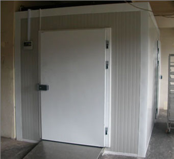 chamber from sandwich panels